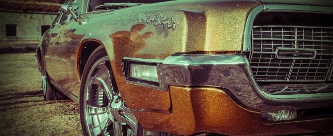 Wynajem auta z kierowcą – rozbity własny samochód